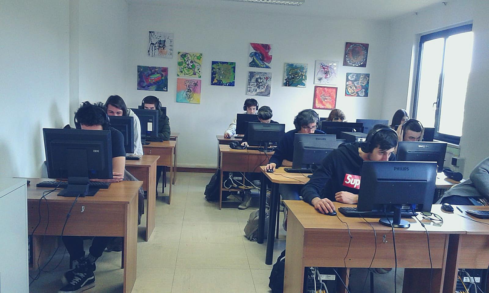 scuola di italiano per stranieri learn italian in english classroom
